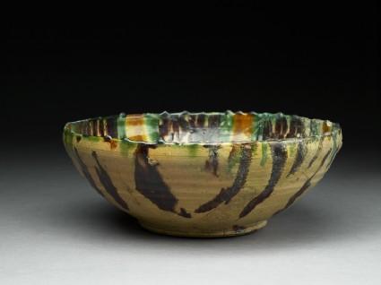 Bowl with polychrome splashed decoration