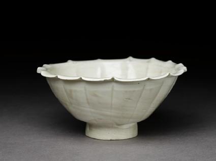 White ware bowl with lobed rim