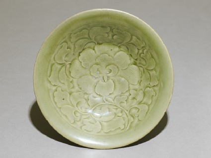 Greenware bowl with floral decoration
