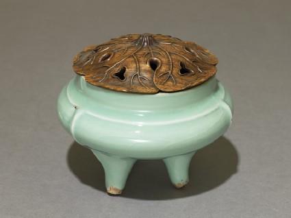 Greenware tripod incense burner with modern lid