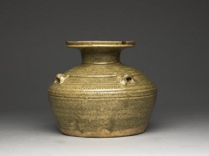 Greenware vase, or hu, with dish-shaped mouth