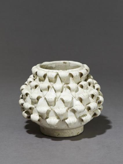 Cizhou type 'peony' jar