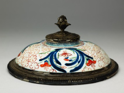 Lid with iris and cherry blossom