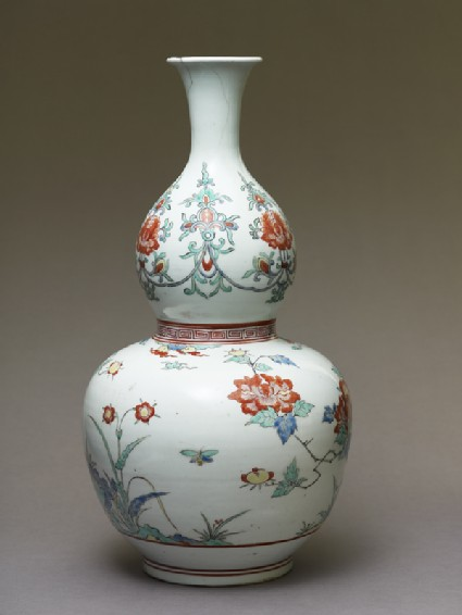 Bottle in double-gourd form with birds and peonies