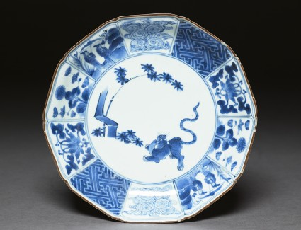 Foliated plate with tiger and bamboo