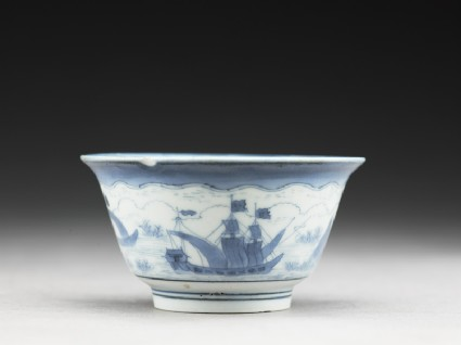 Cup with ships painted in the van Frijtom style