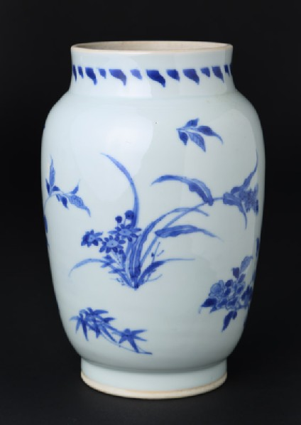 Blue-and-white jar with floral decoration