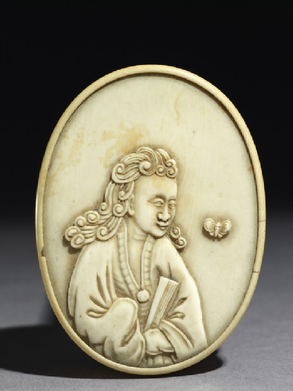 Ivory box with figure holding a fan