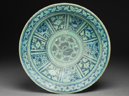 Dish with floral decoration in radial panels