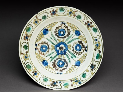 Dish with five blossoms