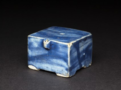 Square water-dropper with blue glaze