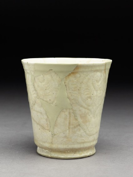 Beaker with incised frieze