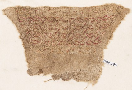 Textile fragment with interlacing chain, probably from a cuff