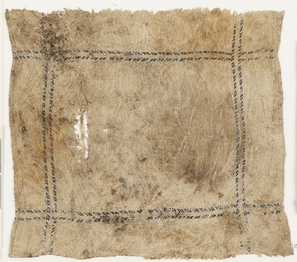 Cloth with slanting S-shapes