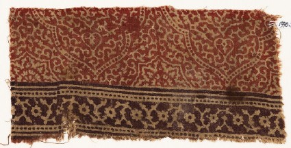 Textile fragment with tendrils and lobed medallions