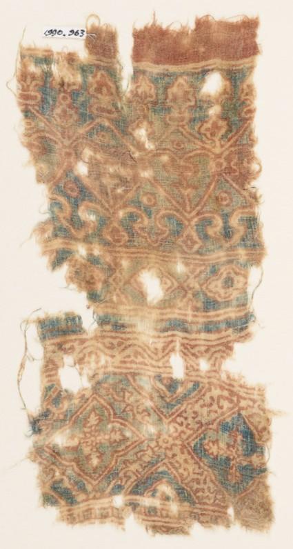 Textile fragment with hearts, trefoils, and quatrefoils