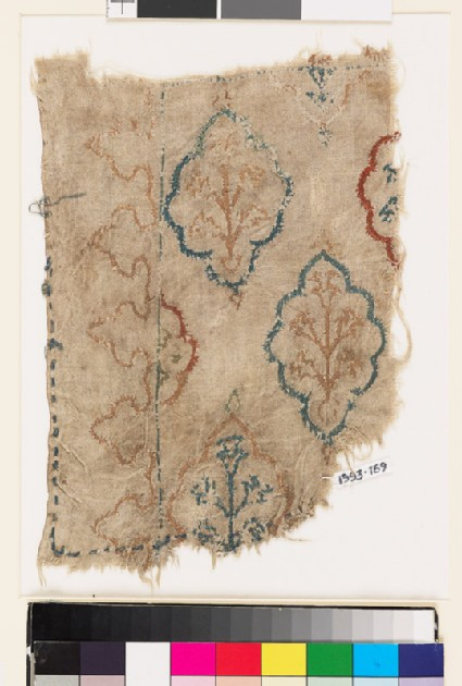 Textile fragment with lobed medallions, plants, and flowers