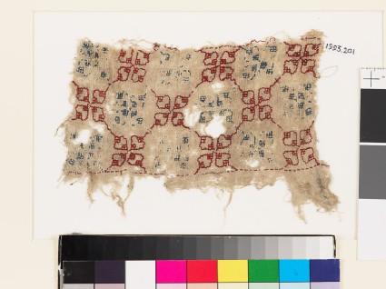 Textile fragment with quatrefoils and lattice of diamond-shapes