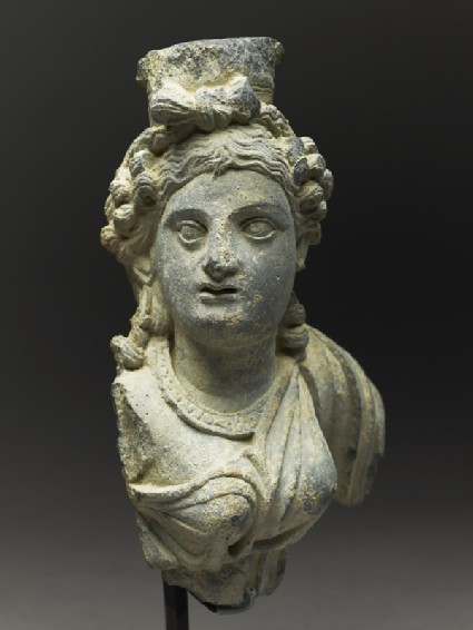 Fragmentary bust figure of the goddess Hariti