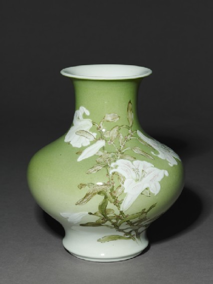 Vase with white lilies and birds