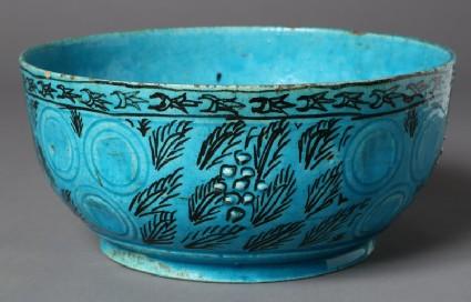 Bowl with leaf decoration