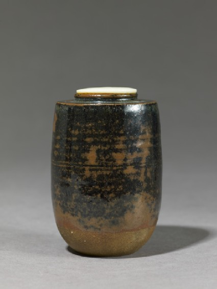 Tea jar, or chaire