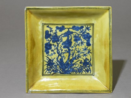 Square dish with flowers