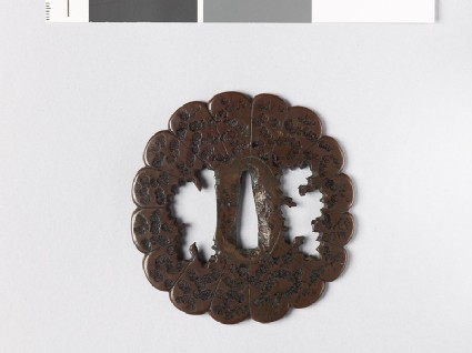 Lobed tsuba with florets
