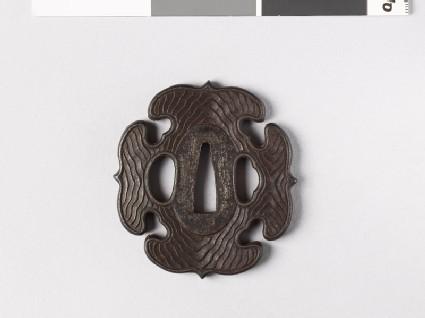 Tsuba with wood grain decoration