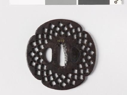 Mokkō-shaped tsuba with quatrefoil perforations