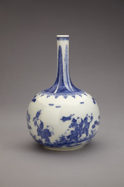 Bottle with design of Chinese boys, pines and peonies, and mon crest