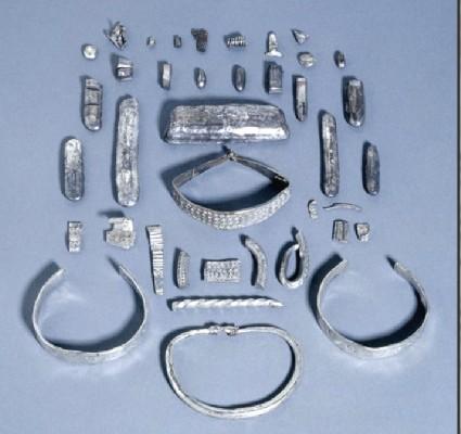 Annular arm-ring