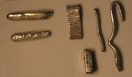 Broad-band arm-ring fragment