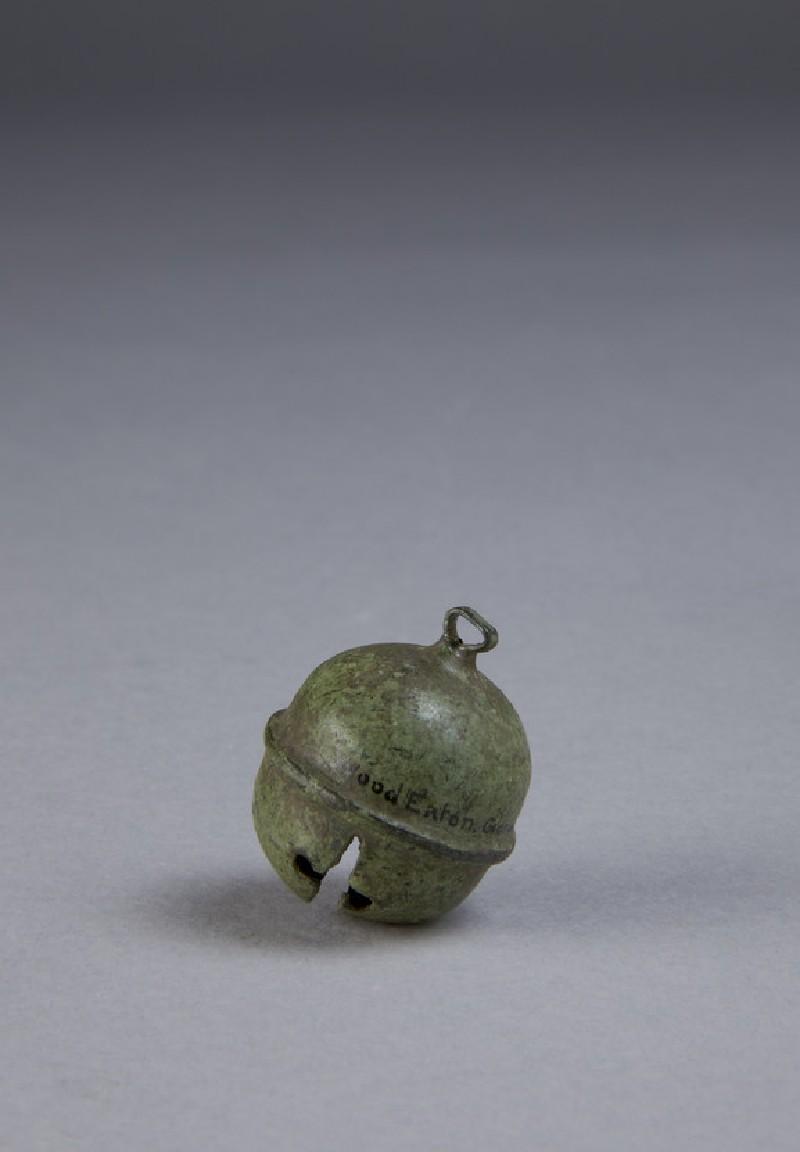 Small bronze bell (AN1896-1908.R.26)