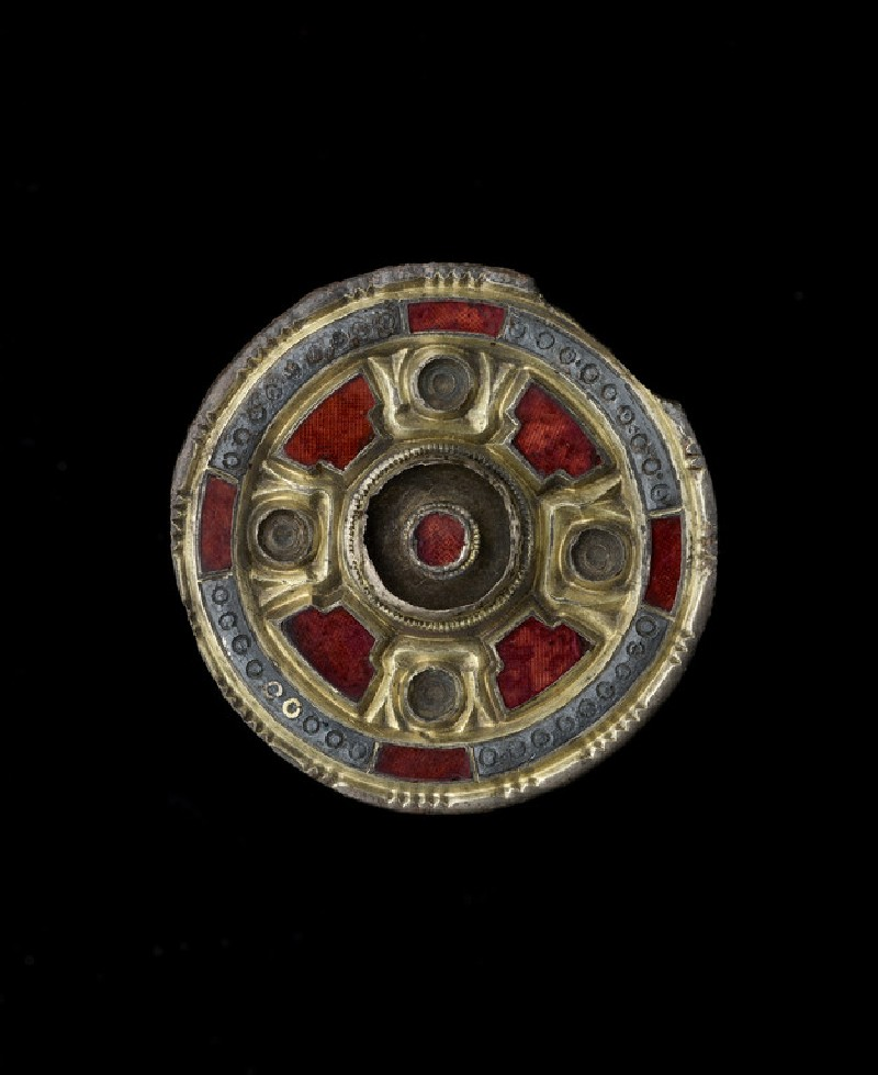 Jewelled disc brooch (AN1909.186)