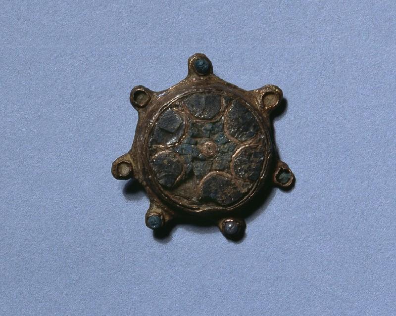 Disc brooch (AN1992.97)