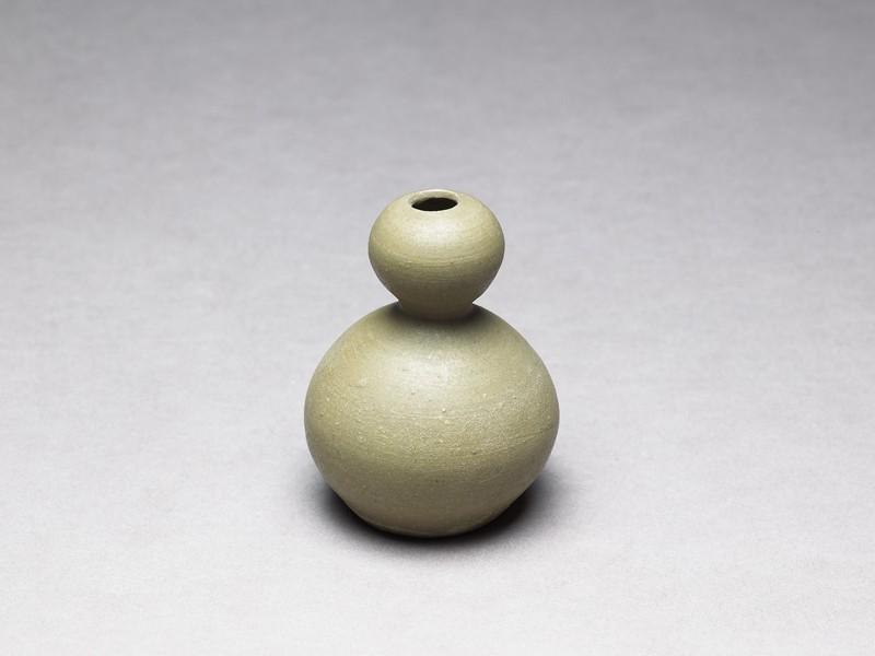 Greenware vase in double-gourd form (EA1956.294, oblique            )