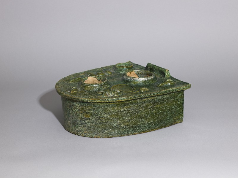 Stove model with pots and ear-cups (EA1956.913, oblique            )