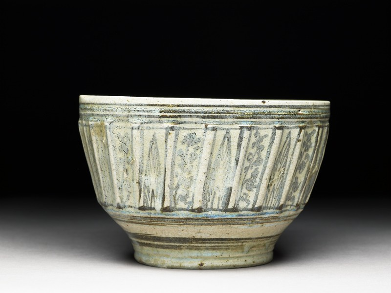 Bowl with iron-black decoration (EA1965.56, side           )