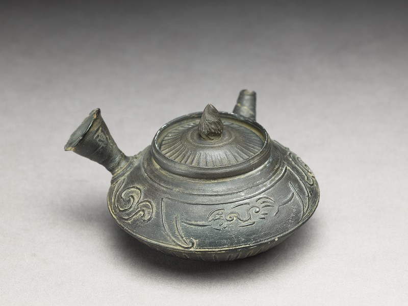 Teapot used for the Chinese tea ceremony (EA1968.45, oblique           )
