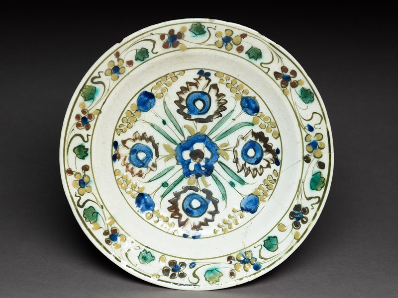 Dish with five blossoms (EA1978.1734, top             )