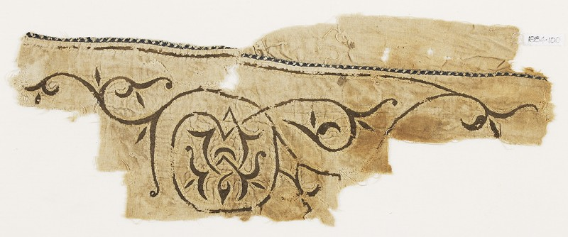 Textile fragment with scroll tendril and trefoil leaves, probably from a tent (EA1984.100, front            )
