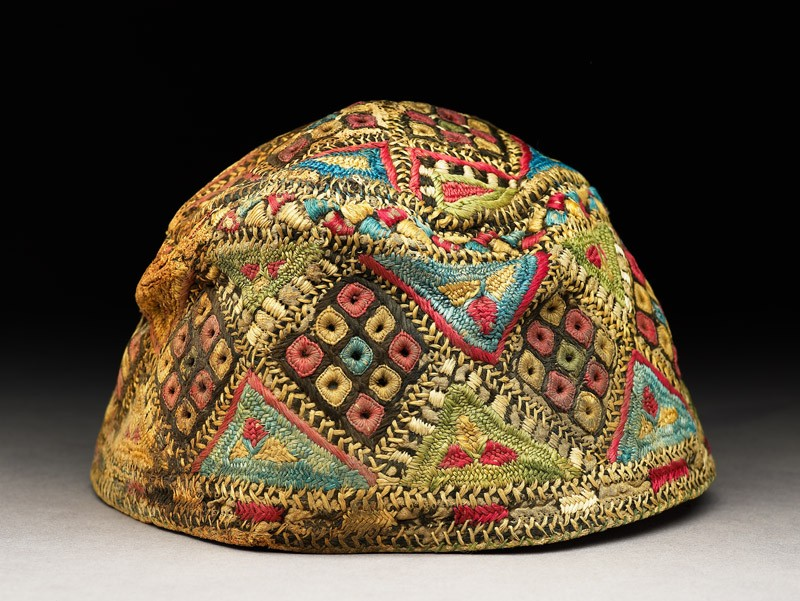 Cap with diamond-shapes and triangles (EA1984.126, side            )