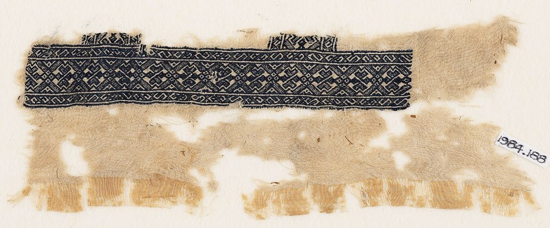 Textile fragment with linked diamond-shapes and arrows (EA1984.188, front            )
