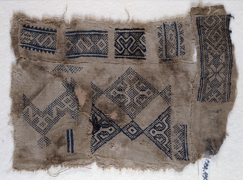 Sampler fragment with S-shapes and hooks