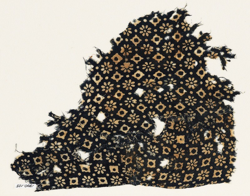 Textile fragment with rosettes, lobed squares, and dots (EA1990.125, front            )