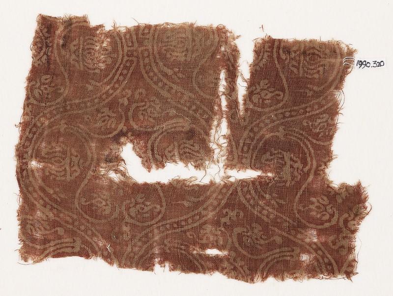 Textile fragment with interlocking medallions