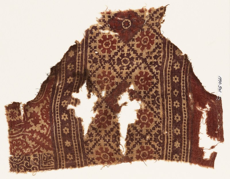 Textile fragment with grid of squares and flowers (EA1990.571, front            )