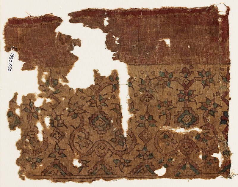 Textile fragment possibly imitating patola pattern, with stylized plants (EA1990.952, front            )
