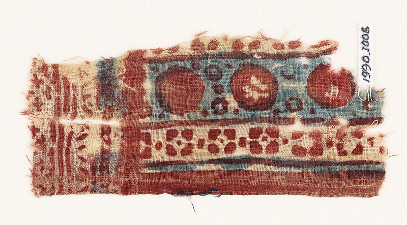 Textile fragment with circles and quatrefoils (EA1990.1008, front             )